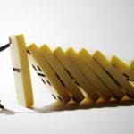 進化か退場か 危機を生き抜く 3条件